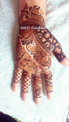 #Pari.kapadia Floral Henna Designs, Legs Mehndi Design, Full Hand Mehndi Designs, Modern Mehndi Designs, Mehndi Design Pictures, Mehndi Designs For Beginners, Mehndi Designs For Girls, Dulhan Mehndi Designs, Latest Mehndi Designs