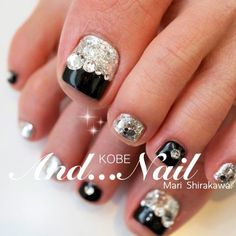 Feet Nail Design, Toe Nail Designs, Cute Pedicures, Summer Toe Nails, Kobe, Feet Nails, Pretty Toes, Toe Nail Art, Christmas Nails
