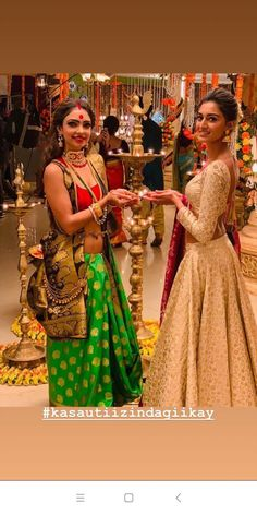 Jacket for dandiya Indian Wedding Hairstyles, Indian Wedding Outfits, Indian Outfits, Bridal Lehenga 2017, Ethnic Fashion, Indian Fashion, Garba Dress, Khadi Saree, Saree Draping Styles