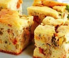 A torta de frango é uma ótima opção de receita para o almoço. A Torta de frango de liquidificador, poder ser uma opção melhor ainda, pois é fácil de fazer. Siga a receita e aprenda como fazer Torta de frango de liquidificador.