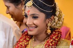 Get inspired by these South Indian Bride with Gorgeous Makeover. For more stunning bridal makeup image visit southindianbridalfashion. Bridal Makeup Images, Indian Bridal Makeup, Bridal Beauty, Bridal Makeover, Wedding Consultant, Indian Bridal Hairstyles, Wedding Makeup Artist, South Indian Bride, Best Wedding Photographers