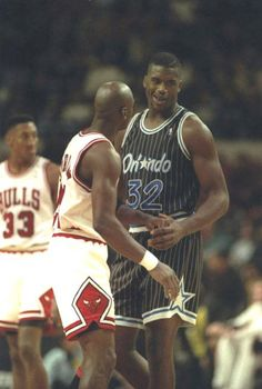In this 1993 game between the Bulls n Magic, Jordan poured in 64 points while Shaq posted 29 points 24 boards & 5 blocks. Magic defeated the Bulls Basketball Tumblr, I Love Basketball, Basketball Pictures, Basketball Legends, Magic Basketball, Basketball Jones, Nba Stars, Sports Stars, Nba Players