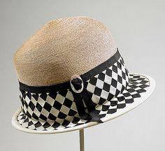 Woman's Cloche, Lichtenstein  (Label), mid-1920s, Balibuntal straw, grosgrain ribbon Vintage Accessories, Fashion Accessories, Fashion Hats, Fashion Trends, Mademoiselle Coco Chanel, 1920s Hats, Mode Vintage, Vintage Hats, Vintage Outfits