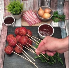 Bacon-wrapped meatloaf lollipops Tag your keto best friends here Double Tap if you love this . Finger Food Appetizers, Finger Foods, Appetizer Recipes, Simple Appetizers, Bacon Recipes, Cooking Recipes, Healthy Recipes, Cooking Bacon, Cooking Videos