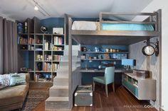 Super cool kids room with loft bed, sky blue accents and wooden floorboards. Recámara infantil basada en Harry Potter by MARIANGEL COGHLAN.
