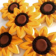 Sunflower cookies Summer Cookies, Fall Cookies, Iced Cookies, Cute Cookies, Easter Cookies, Cupcake Cookies, Cupcakes, Sunflower Cookies, Flower Sugar Cookies