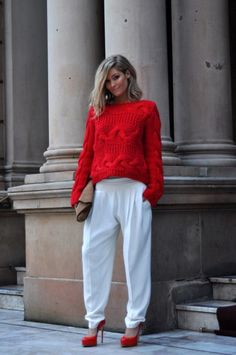 k1p1 RED CABLE KNIT SLOUCH CROP SWEATER LOVER!!! love the sweats and heels with it!