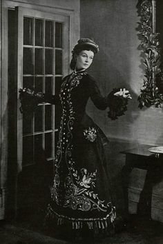 "vivienleighseyebrow: "" Vivien Leigh as Anna Karenina in the 1948 film production. "" Actually this is a picture of her modeling a ca. 1876 dress for the book The Woman in Fashion. Vivien Leigh, Vintage Hollywood, Hollywood Glamour, Classic Hollywood, Hollywood Actresses, Scarlett O'hara, Historical Costume, Historical Clothing, Victorian Fashion"