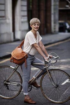on Bicycle Fashion Designers - Michaux Rachel Bonney designs elegant and stylish cycling accessories.Rachel Bonney designs elegant and stylish cycling accessories. Cycling Workout, Cycling Gear, Carb Cycling, Bike Workouts, Cycling Jerseys, Road Cycling, Cycle Chic, Bici Retro, Velo Design