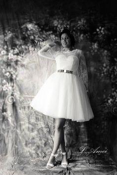 Kurze Spitzen Hochzeit Kleid mit Ärmeln und Open back von LAmei