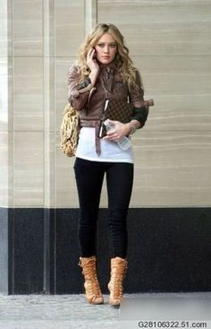 Great Fall / Winter outfit. I'll wear anything if I can just wear Uggs with it! ugg Cyber Monday View More: www.yi5.org #uggs #ugg #boots #cyberweek