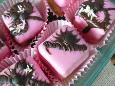 Citromkrémes és vaníliás mignonok Recept képpel - Mindmegette.hu - Receptek Macaron, Food, Bite Size, Essen, Meals, Yemek, Eten