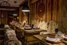 Interior // #WIKINGERSCHÄNKE #Wikinger #Restaurant #Haithabu #Busdorf #Interior #Schlei #Ostseefjord #InteriorPhotography #Fotografie #Fotograf #Photography / gepinnt von www.KERPA.com