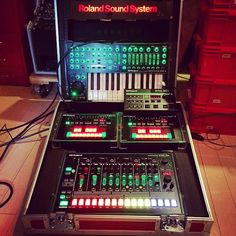 Roland Aira ~ Tokyo salesman demonstration case ~ with sync box
