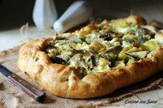 Rustico carciofi e patate, ideale da gustare sia caldo che freddo. Il ripieno può essere arricchito con panna o con formaggio.