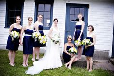 You are about to see my personal wedding Achilles heel. This is my all time ultimate wedding weakness. We all have one – for some it's the DIY backyard wedding and for others it's the elegant ballroom wedding. Mine is the classic, New England wedding with nautical inspiration. I can't pin point what exactly it […]