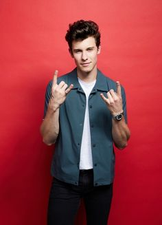 Listen to every Shawn Mendes track @ Iomoio Shwan Mendes, Mendes Army, Shawn Mendes Cute, Shawn Mendes Memes, Shawn Mendes Lieder, Justin Bieber, Shawn Mendes Wallpaper, To My Future Husband, My Boyfriend