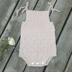 BabyEromper, crochetede Pattern @loopsofliberty Sandnes garn, alpaka silk