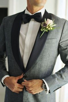 Dapper grey tux and black bow tie: www.stylemepretty… Photography: Thanasis Ka… Grauer Smoking und schwarze Fliege: www.stylemepretty … Fotografie: Thanasis Kaiafas – www. Grey Suit Wedding, Wedding Attire, Wedding Tuxedos, Mens Wedding Tux, Mens Tux, Grey Prom Tux, Prom Tuxedo, Best Man Outfit Wedding, Man Wedding Dress