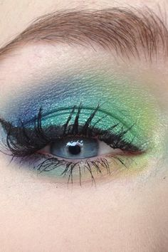 so gorgeous! Makeup Art, Makeup Tips, Hair Makeup, Peacock Eye Makeup, Beauty Make Up, Hair Beauty, Beauty Secrets, Beauty Hacks, Peacock Costume
