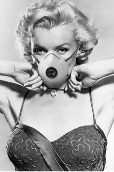 Marylin Monroe, Marilyn Monroe Fotos, Vogue Covers, Masks Art, Norma Jeane, Funny Art, Belle Photo, Aesthetic Pictures, Vintage Photos