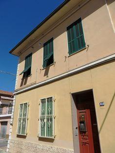 Vallecrosia (IM)  Via Colonnello Giovanni Aprosio