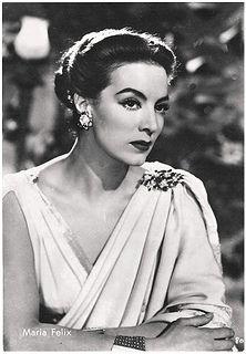Maria Felix, icono de la moda en su epoca.
