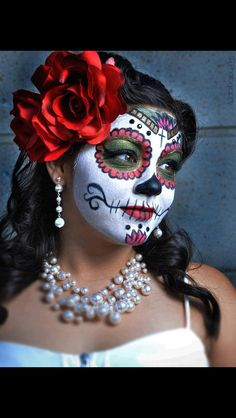 Beautiful make Up of Catrina. For The day of The dead Very Nice. ♥ SLVH ♥