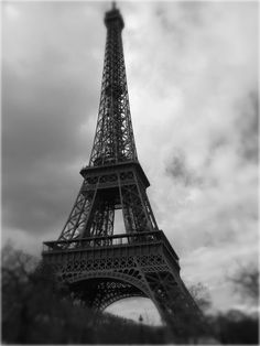 Eiffel Tower - also on my travel bucket list!!  Couldn't say it any better ⬆