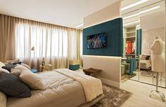 Quarto com painel de TV colorido #bedroom #homedecor #turquesa