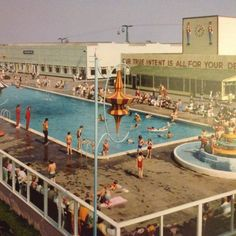 The swimming pool at 'Sunrise Shore' is a little dated but still has a certain charm...
