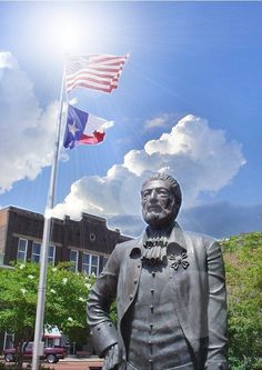 The Statue of Gil Y'Barbo who is the founder of present day city of Nacogdoches.In 1779 led a group of colonists to an earlier settlement in East Texas & established the town around the central square on the crossroads of the La Calle del Norte & El Camino Real.**