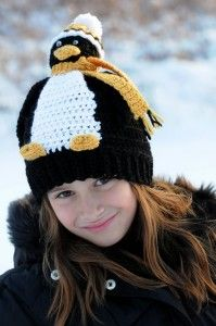 Penguin Hat pattern by Nicky Epstein Ravelry: Pucky Penguin Hat pattern by Nicky Epstein Designer Shout Out! Awesome design it!Ravelry: Pucky Penguin Hat pattern by Nicky Epstein Designer Shout Out! Awesome design it! Crochet Penguin, Crochet Animal Hats, Crochet Kids Hats, Knitted Hats, Bonnet Crochet, Knit Or Crochet, Crochet Pattern, Pinguin Hut, Baby Hut