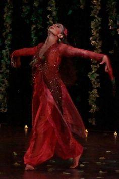 Omar Khayyam Ballet inspired by the Quatrains of 12 century Persian poet Omar Khayyam. Shahrokh Moshkin Ghalam. Photo: Raymond van Tassel