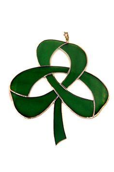 Shamrock Ideas   shamrock designs one is a celtic knot shamrock the other a shamrock ...