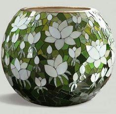 Read Message -jarron flores blancas Mosaic Planters, Mosaic Garden Art, Mosaic Vase, Mosaic Flower Pots, Mosaic Crafts, Mosaic Projects, Stained Glass Paint, Mosaic Artwork, Mosaic Madness