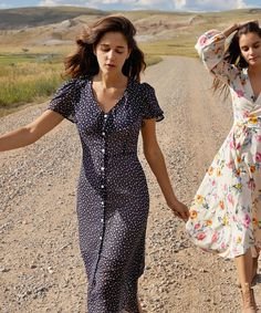 The Daisy Dress | Midnight Ditsy – Christy Dawn 40s Outfits, Cute Outfits, Fashion Outfits, Womens Fashion, Fashion Beauty, Fashion Hacks, Meeting Outfit, Daisy Dress, Long Skirt Outfits For Summer