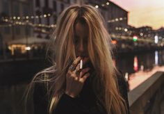 Imagem de girl, cigarette, and grunge