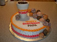 Dunkin Donuts Cake Make for Stephs Birthday? Dunkin Donuts Cake Make for Stephs Birthday? Dunkin Donuts Cake, Dunkin Dounuts, Doughnut Cake, Cupcakes, Cupcake Cookies, Unique Cakes, Creative Cakes, Foto Pastel, Gateaux Cake