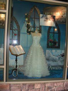 Wedding display at Disneyland    The Rockabilly Socialite: Our Last Dating Anniversary at Disneyland!