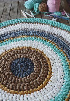 Carpet Runners Home Depot Canada Info: 4216143256 Knit Rug, Knit Crochet, Knitting Patterns, Crochet Patterns, Crochet Carpet, Punch Needle Patterns, Crochet Home Decor, Diy Carpet, T Shirt Yarn