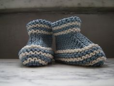 Free pattern- stay on booties