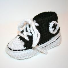 crocheted baby converse!!!