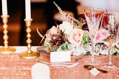Rose Gold Sequin Wedding Table | Floral design & wedding styling by TML TABEA MARIA-LISA www.tabeamarialisa.ch in shades of dusty pink and burgundy | photography by http://www.toldofoto.ch