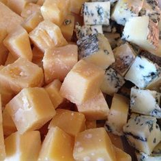 Topped on crackers or accenting your favourite dishes, Canadian cheese is delicious no matter how you slice it. See why Canadian cheese deserves a spot on your menu. Milk And Cheese, Wine Cheese, Cheese Appetizers, Best Appetizers, Canadian Cheese, Cheese Cubes, Bread Board, How To Make Cheese, Crab Cakes