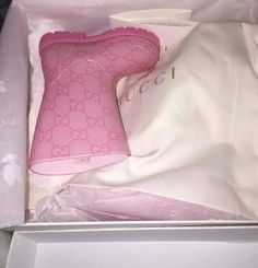 pink baby gucci boots.