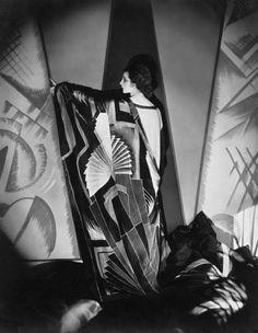 """wehadfacesthen: """" Dancer Helen Tamiris in a photo by Edward Steichen for Vanity Fair, 1925 """""""