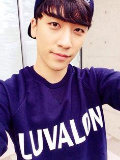 Las etiquetas más populares para esta imagen incluyen: seungri, bigbang, kpop, big bang y panda
