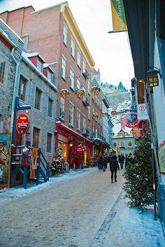 Quartier Petit Champlain a Noel - Petit Champlain neighborhood at Christmas, Quebec - Canada