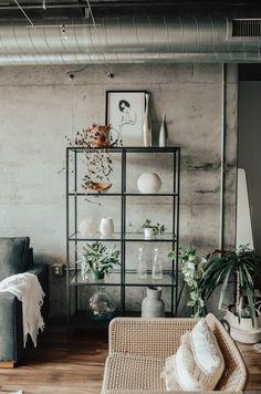 6 Sensational Cool Tips: Minimalist Kitchen Shelves Floors minimalist interior scandinavian minimalism.Simple Minimalist Home Loft minimalist interior bedroom mid century. Minimalist Living, Minimalist Bedroom, Minimalist Decor, Minimalist Kitchen, Modern Minimalist, Modern Living, Simple Living, New Living Room, Living Room Furniture